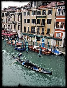 GondolaAtRialto,Venice