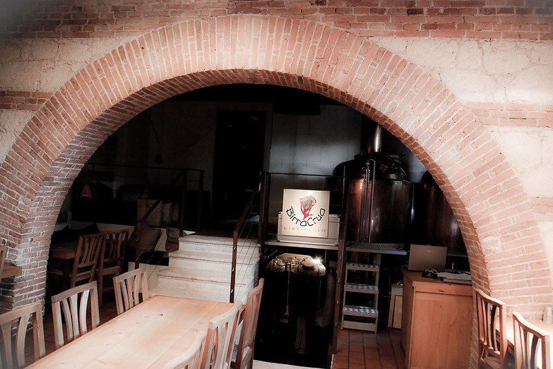 THE COUNTRY CLUB RESTAURANT AND BREWERY IN VICENZA, ITALY