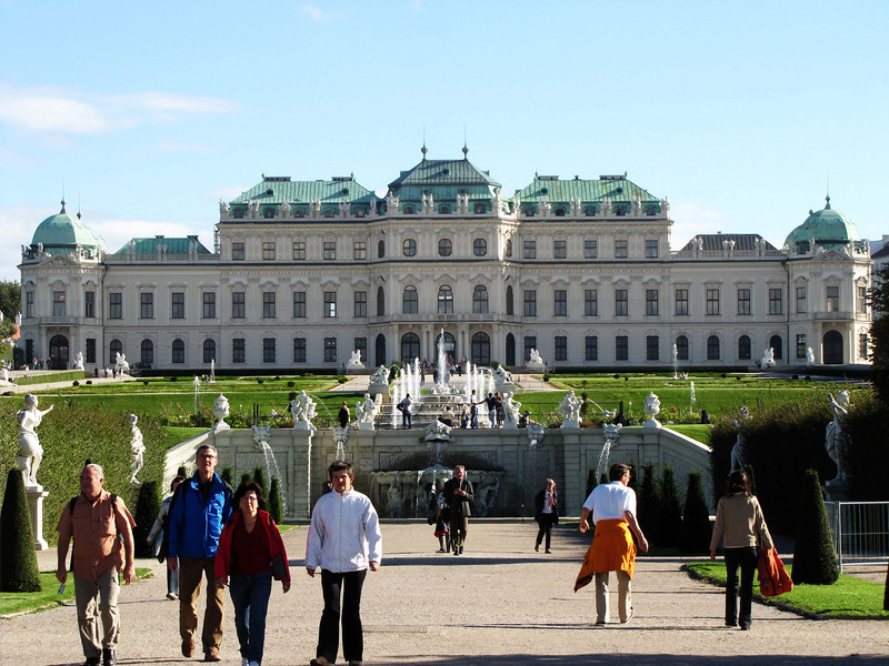 22-Upper Belvedere; middle and upper fountains