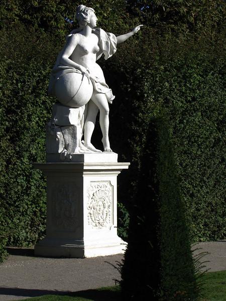 29-sculpture everywhere