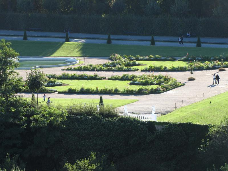 03-Belvedere gardens from Hotel 7th floor