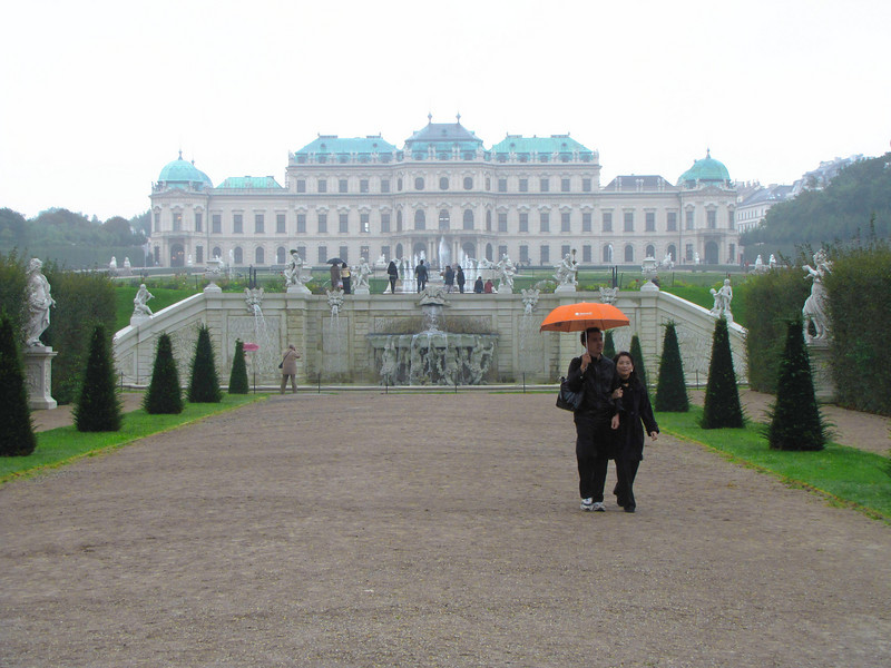 37-Upper Belvedere, central fountain, on cold, rainy day