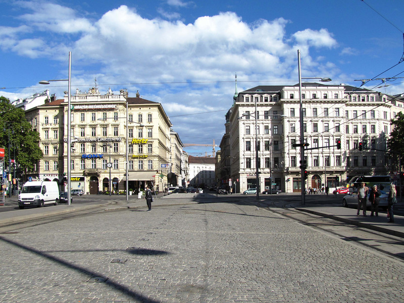 01-Tram from my hotel stopped at this grand median on Schwarzenberg strasse where it intersects the Ring Road that surrounds the central core. We're looking north across the ring road. (Strasse means road)
