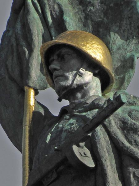 25-Liberation Monument detail.