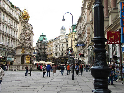 01-Graben, enroute from Stephansdom to PetersKirche. The street was created around 1220.
