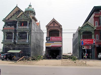 05-Along the highway from Hanoi to Ha Long City