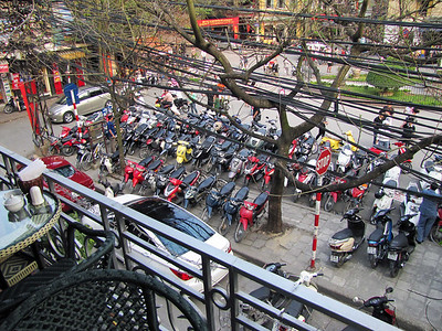 25-Organized motorbike parking at Cathedral
