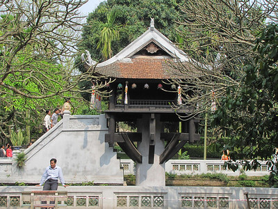 52-The original structure of One Pillar Pagoda was wood.