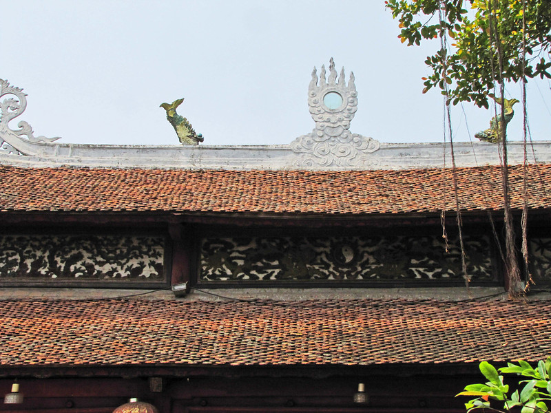 89-Ngoc Son Temple ridge detail