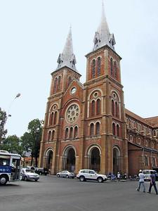 21-Notre Dame Cathedral, SE facade