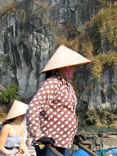 34-Vong Vieng oarswoman