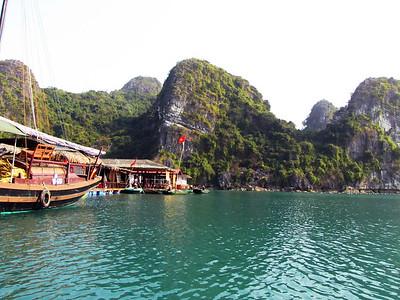 39-Vong Vieng Tourist stores