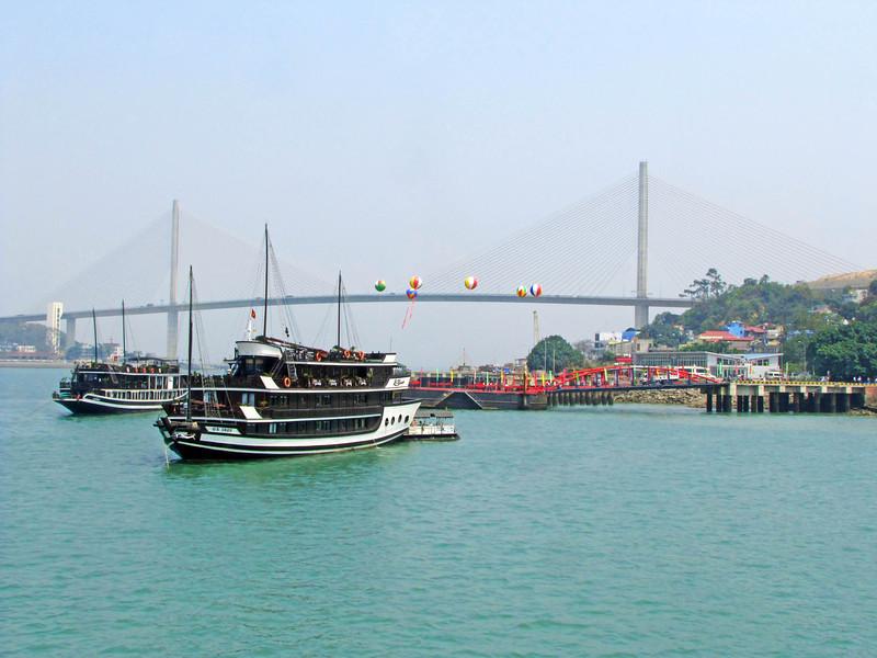 85-Back to harbor and bridge