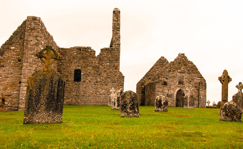 Clonmacnoise Church  Ruins & Headstones