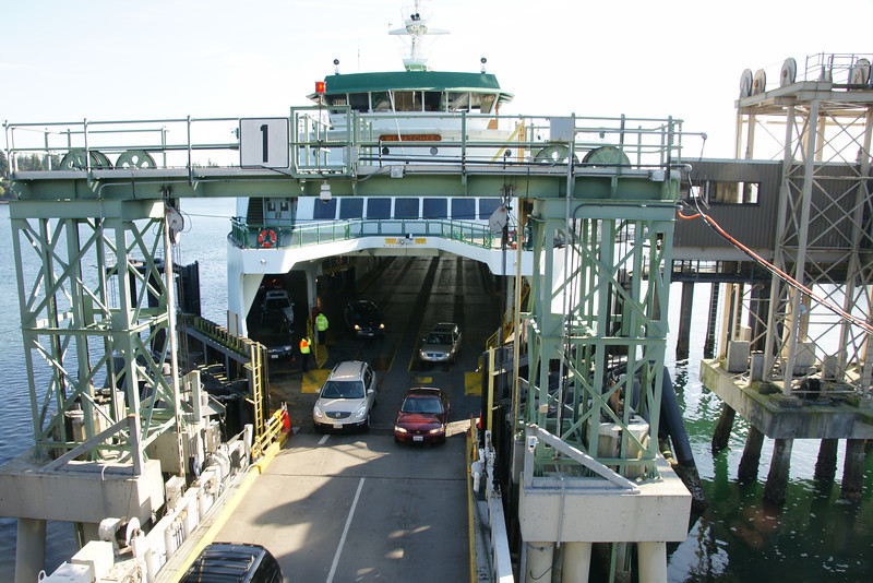 Unloading of the Ferry