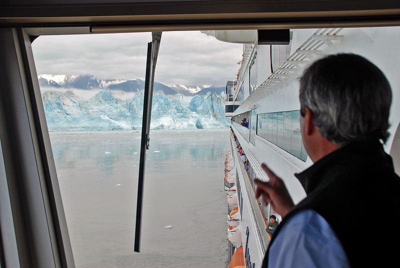 The pilot points to part of Hubbard Glacier that just calved.