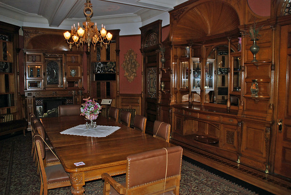 Dining Room, and oak table, at the Craigdarroch Castle.
