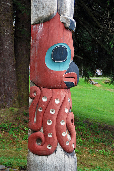 An octopus on the bottom of a totem at Totem Bight State Historical Park.