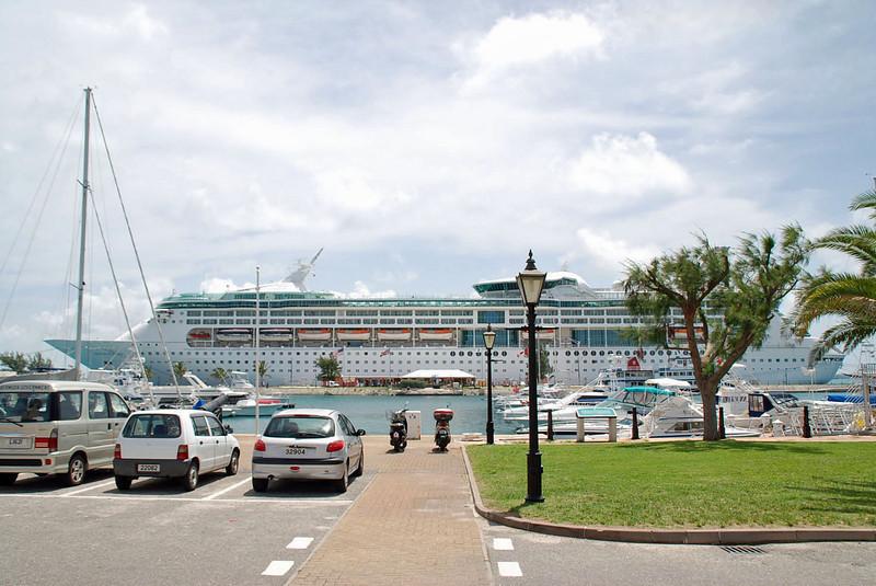 Grandeur of the Seas docked at Dockyard (Royal Caribbean).
