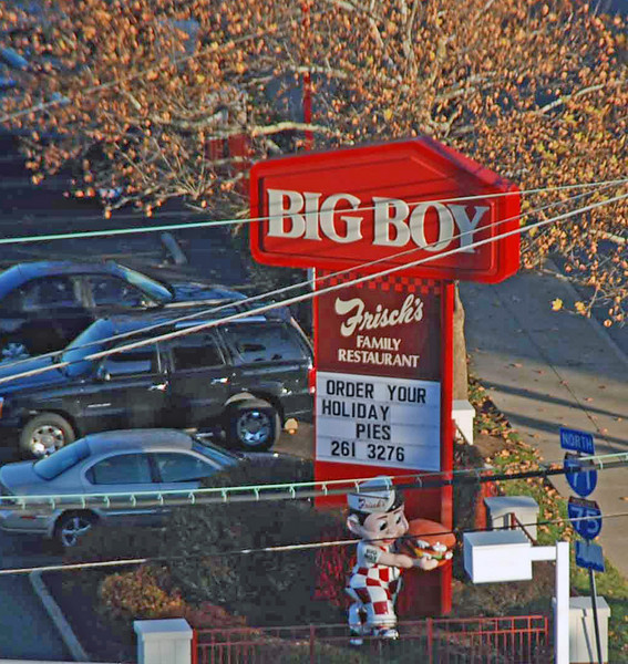 Bob's Big Boy Restaurant viewed from our hotel room.