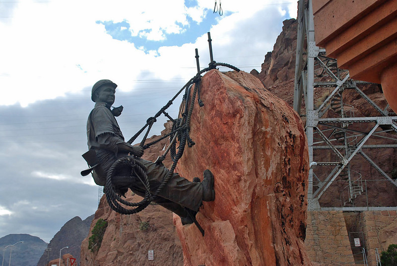 The high scaler statue at the Hoover Dam.