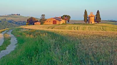 Cappella di Vitaleta in barley. Val d'orcia, toscano