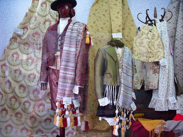 Traditional Valencian men's attire
