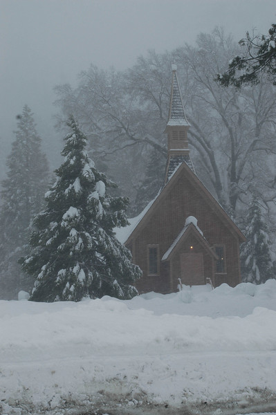 I've always loved seeing this church.  It seemed particularly quaint in the snowstorm.