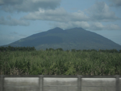 Beautiful (Maganda) view of Mount Arayat from the North Luzon Expressway ...http://www.travelandleisureasia.com/interests/inerest_wildlife/310332/mount_arayat_national_park_philippines.html