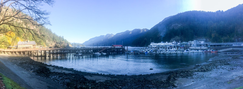 "The next morning I headed to the mountains!  This is a panorama taken in a cool little town of ""Horseshoe Bay"""