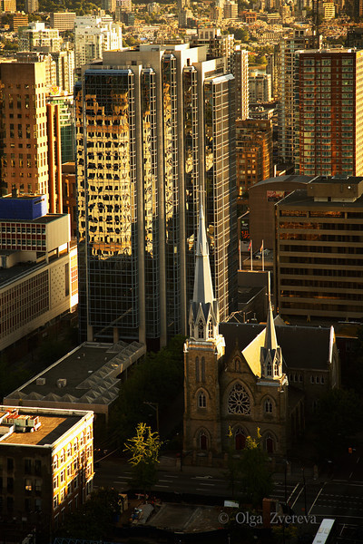 <p>The Difference of Styles, Downtown Vancouver, British Columbia, Canada</p>