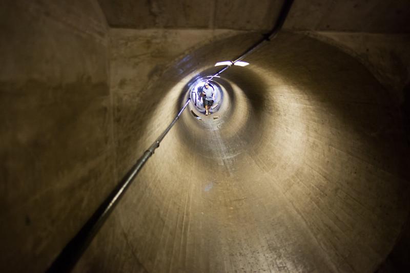 Dam ventilation shaft/tunnel