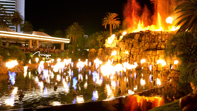 Flaming volcano show at the Mirage