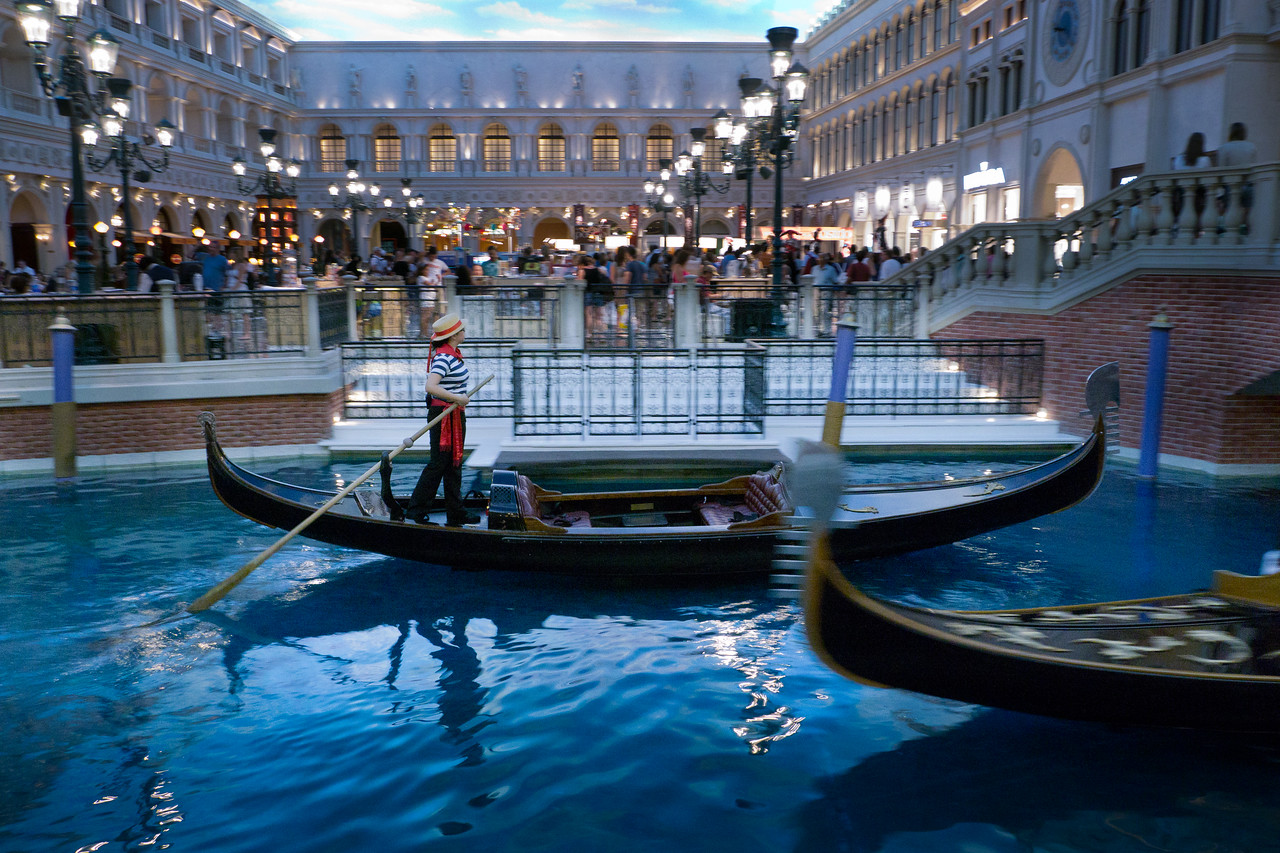A gondolier at the Grand Canal in the Venetian hotel