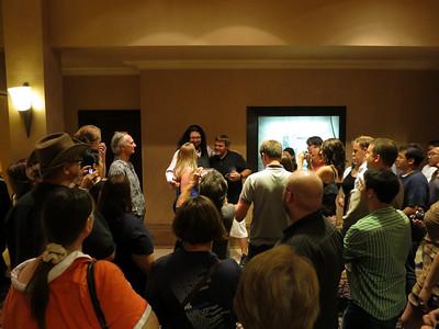Penn Jillette meeting the audience.
