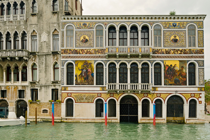 _D7K2111 Palazzo with mosaics, grand Canal, Venice