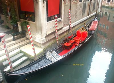 Gondola Black with Red