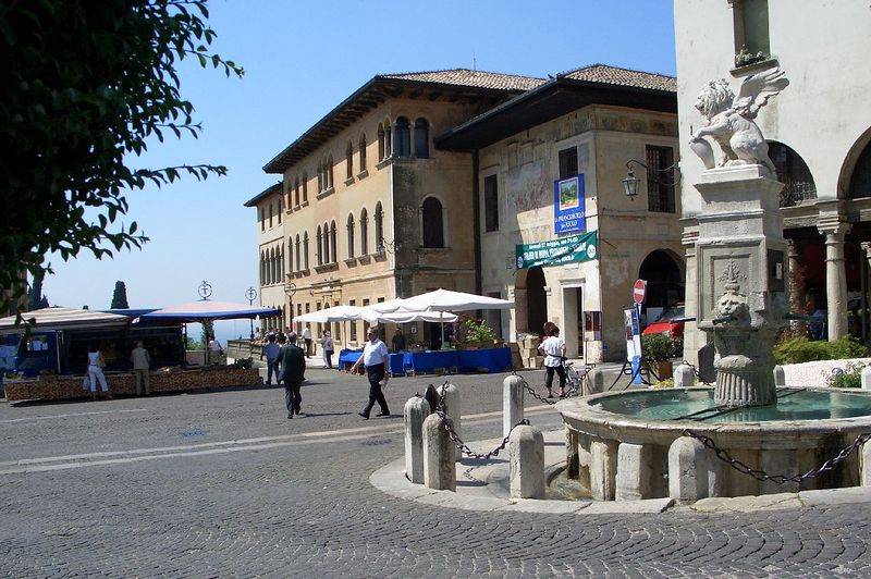 Marketplace in Asolo