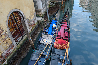 Blue and red gondolas