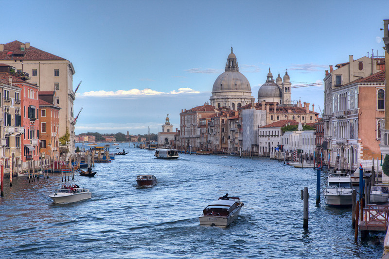 The Basilica Santa Maria Della Salute from the Ponte Accademia. Yes, you've seen it a thousand times. And it remains forever magnificent, even when the light is gone.