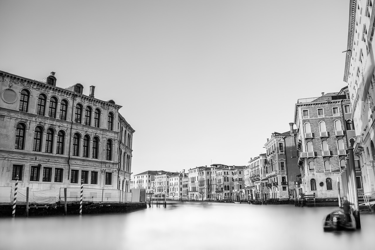 Grand Canal (black and white)