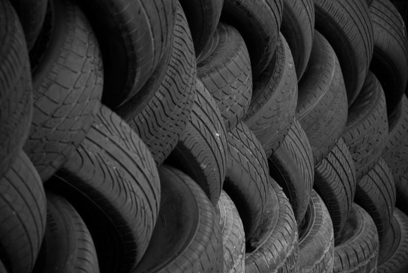 "<span id=""title"">Tires</span>"