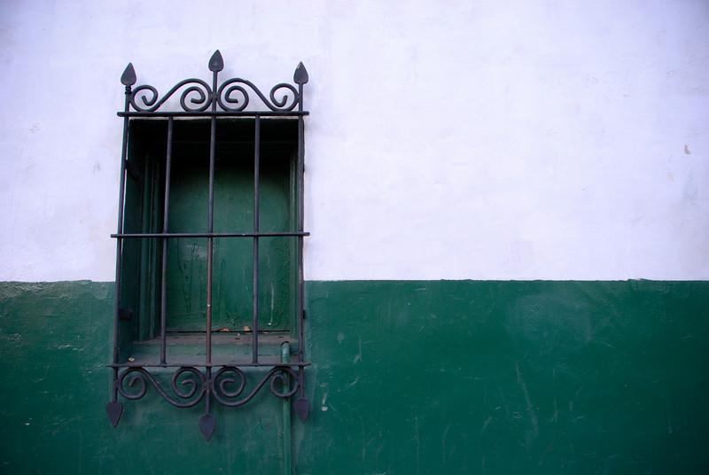 "<span id=""title"">Not a Window</span>"
