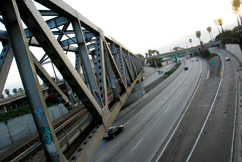 """<span id=""""title"""">Trestle and Freeway</span>"""