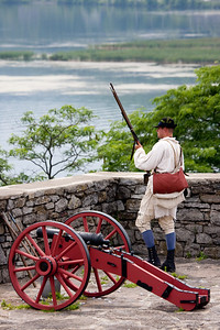 Muskeet and cannon demonstration.