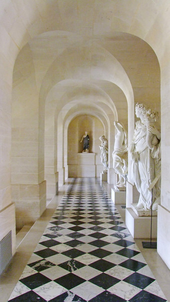 Hall with sculptures