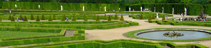 A section of the beautiful Versailles gardens