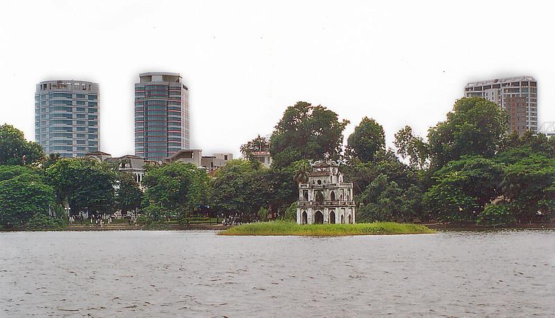 Thấp Rùa Tortoise Tower Hồ Hoàn Kiếm Lake of the Restored Sword Hà Nội Việt Nam - Aug 2002