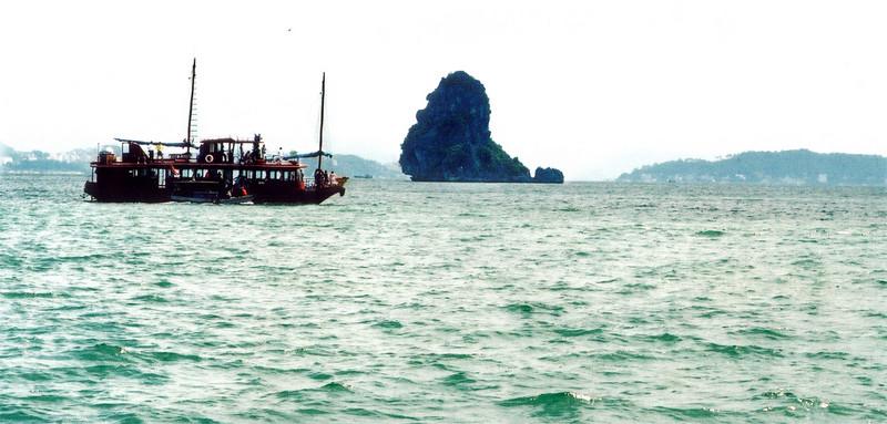 The Old Man island Vịnh Hạ Long Hạ Long Bay Việt Nam - Aug 2002