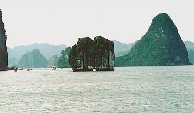 Hole in the wall Vịnh Hạ Long Hạ Long Bay Việt Nam - Aug 2002